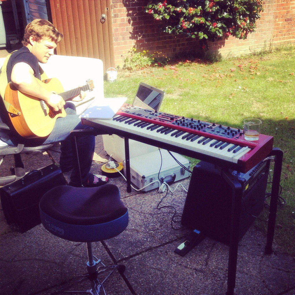 Taking advantage of this gorgeous weather to do some al fresco songwriting with Jimmy Roe.